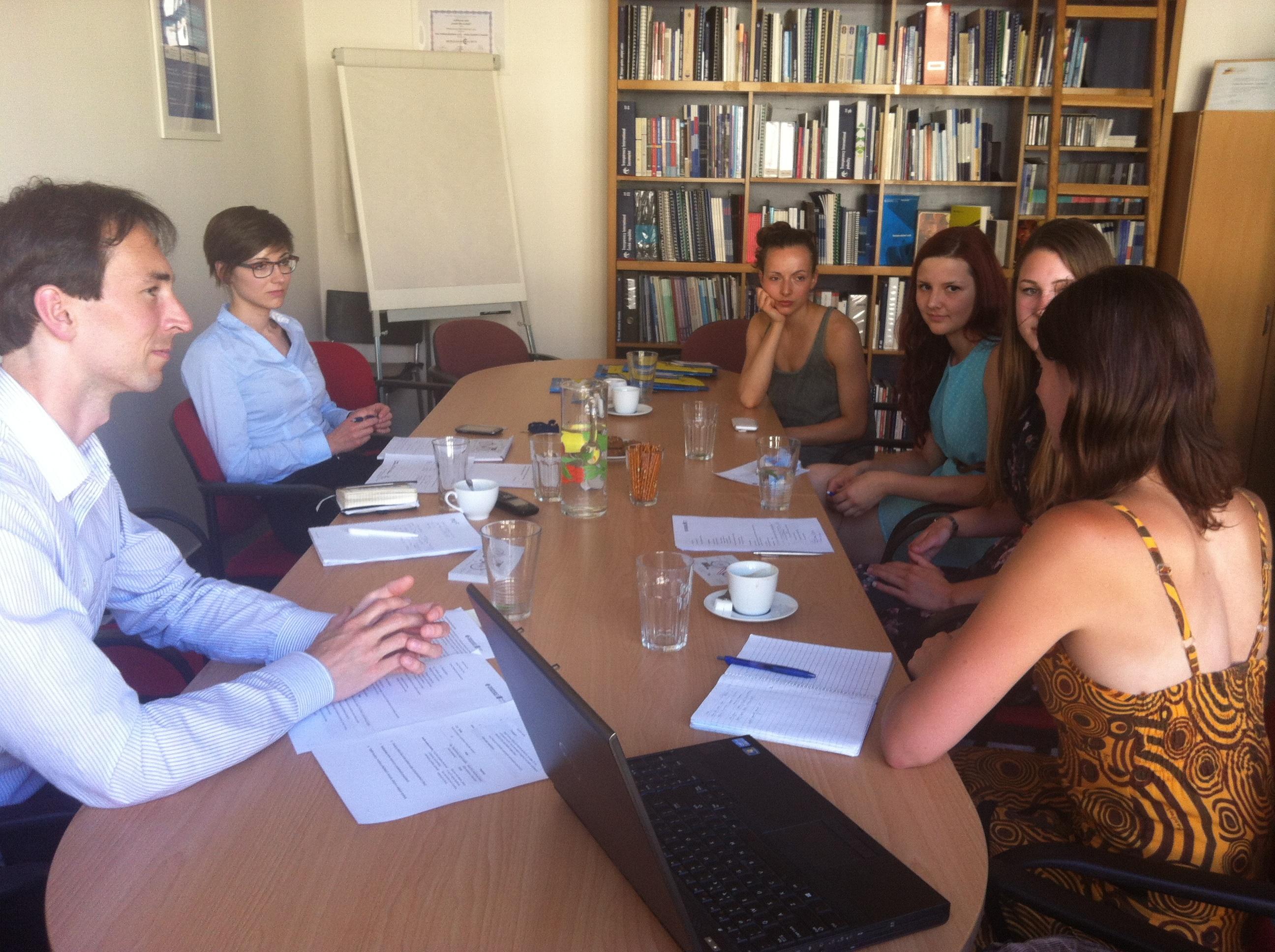 Druhé setkání Studentského klubu Transparency International - Praha - Foto