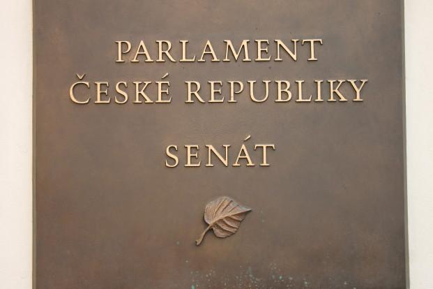 Senát - deska